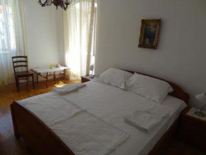 フヴァル島のホテル_3