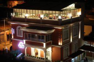 ティラナのホテル_1
