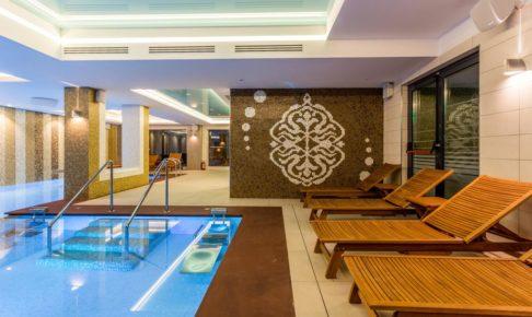 ママイアのホテル_1